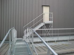 Passerelle d'accès toiture
